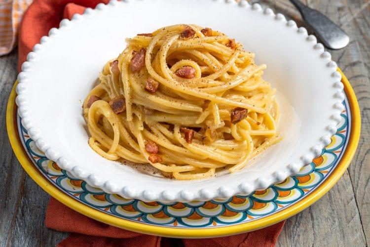 Spaghetti alla carbonara, la ricetta di Sonia Peronaci