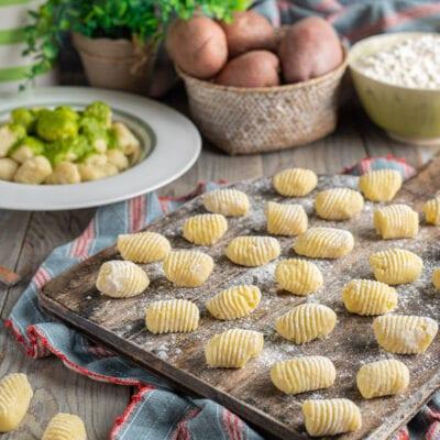 vassoio con gnocchi di patate