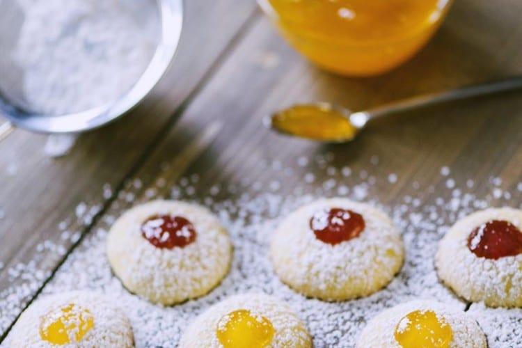 Giallo Zafferano Biscotti Di Natale.Biscotti Al Burro Con Confettura La Ricetta Di Sonia Peronaci