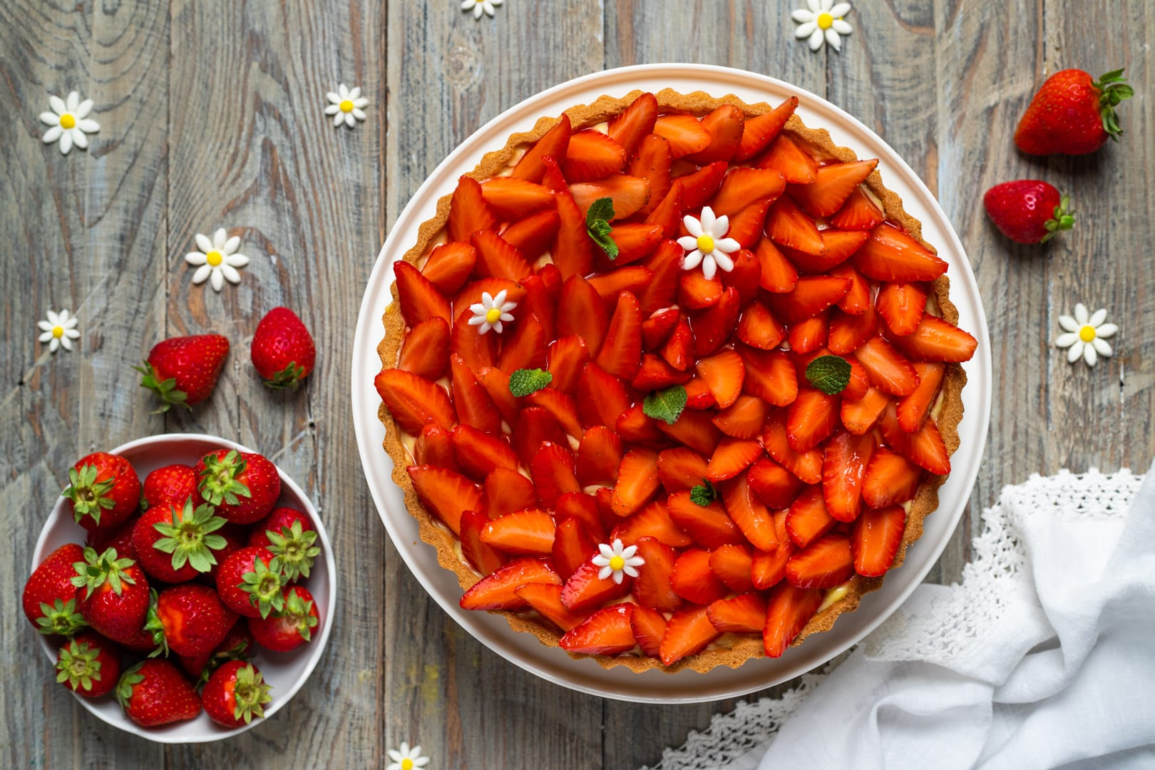 Crostata alle fragole, la ricetta di Sonia Peronaci