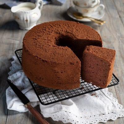 Chiffon cake al cacao fetta