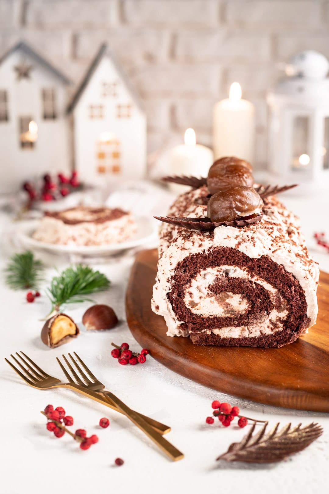 Tronchetto di Natale con crema di marroni pronto da gustare