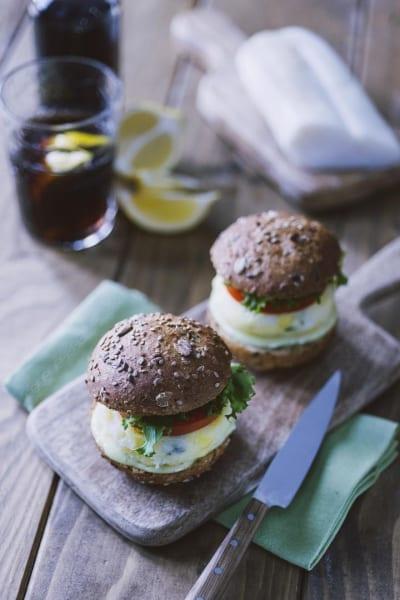 Miniburger di baccalà con maionese al wasabi