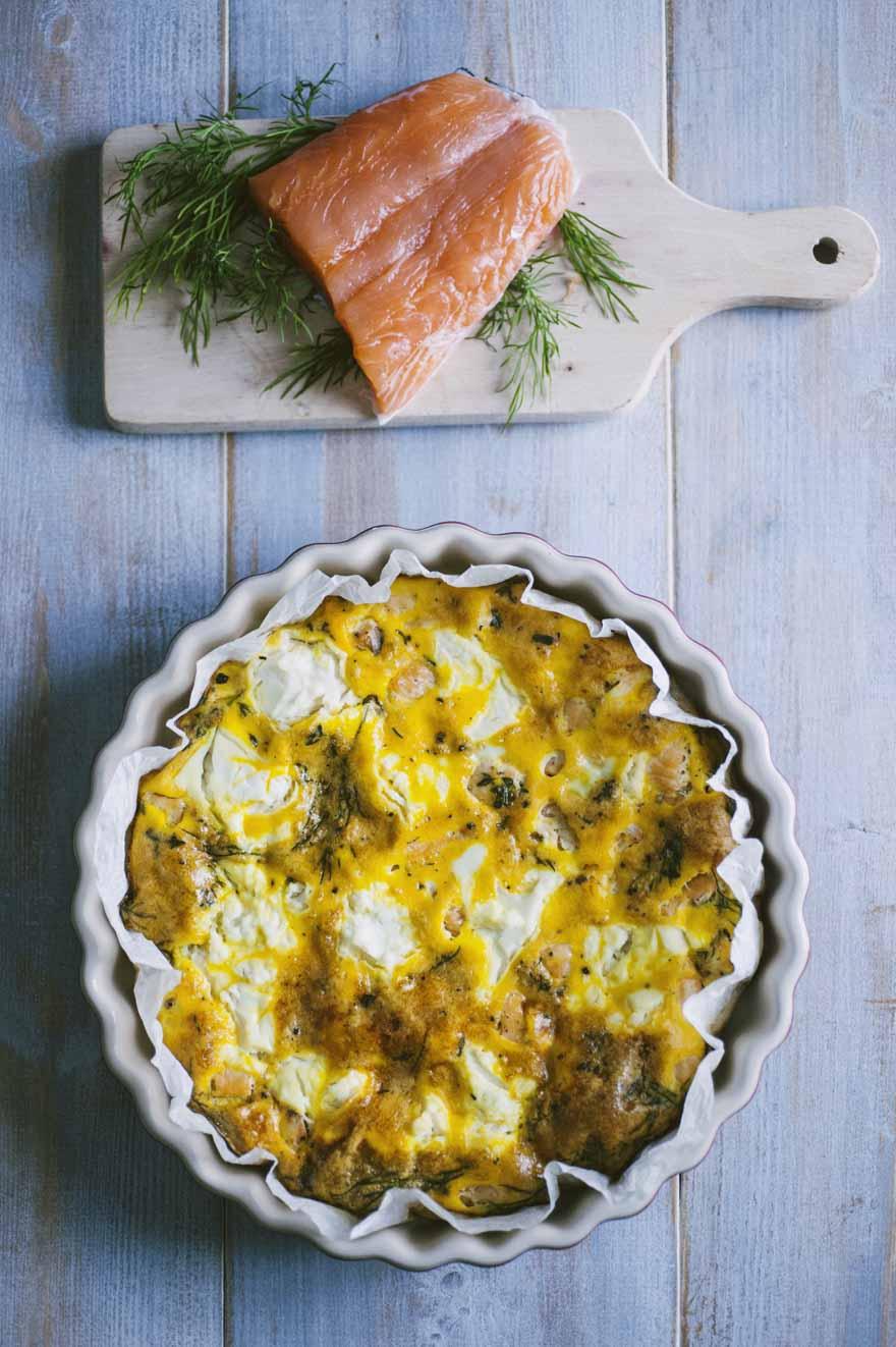 Frittata al forno con salmone e ricotta, saporita e leggera