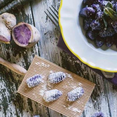 Gnocchi di patate e carote viola, di un colore intensissimo