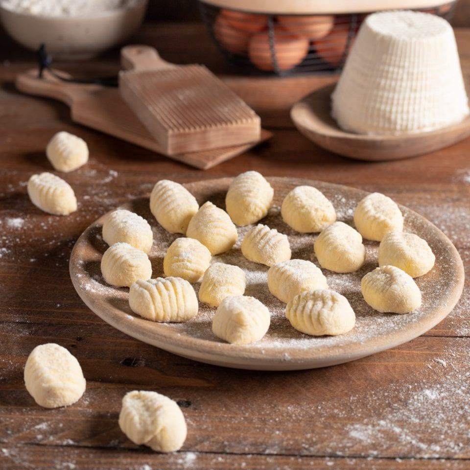 Gnocchi Di Ricotta Ricetta Originale.Gnocchi Di Ricotta Ricetta Facile Con Pochi Ingredienti