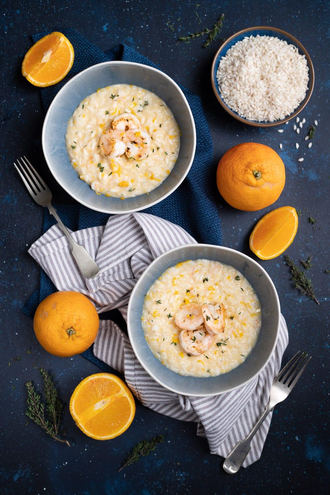Risotto con gamberi e arancia pronto da gustare