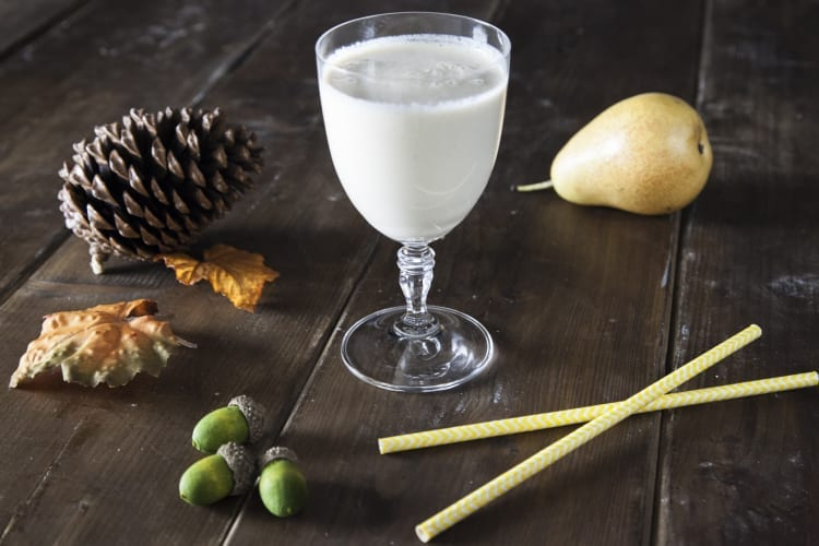 Smoothie di pera, caramello e latte vegetale