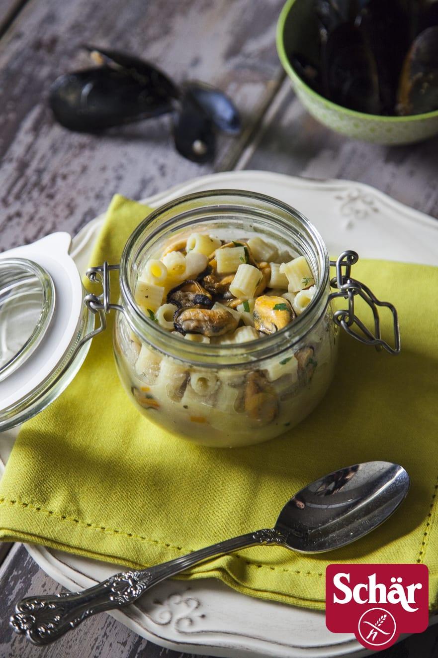 Pasta senza glutine con fagioli e cozze