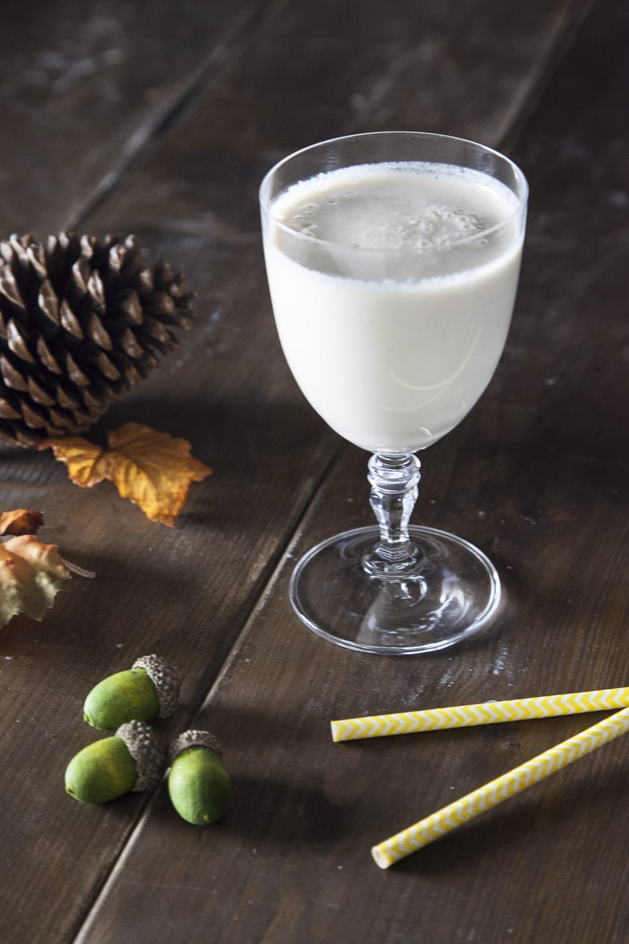 Smoothie di pera, caramello e latte vegetale