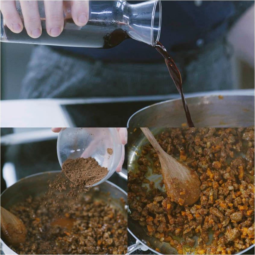 Tagliatelle al ragù di anatra, cacao e frutti rossi