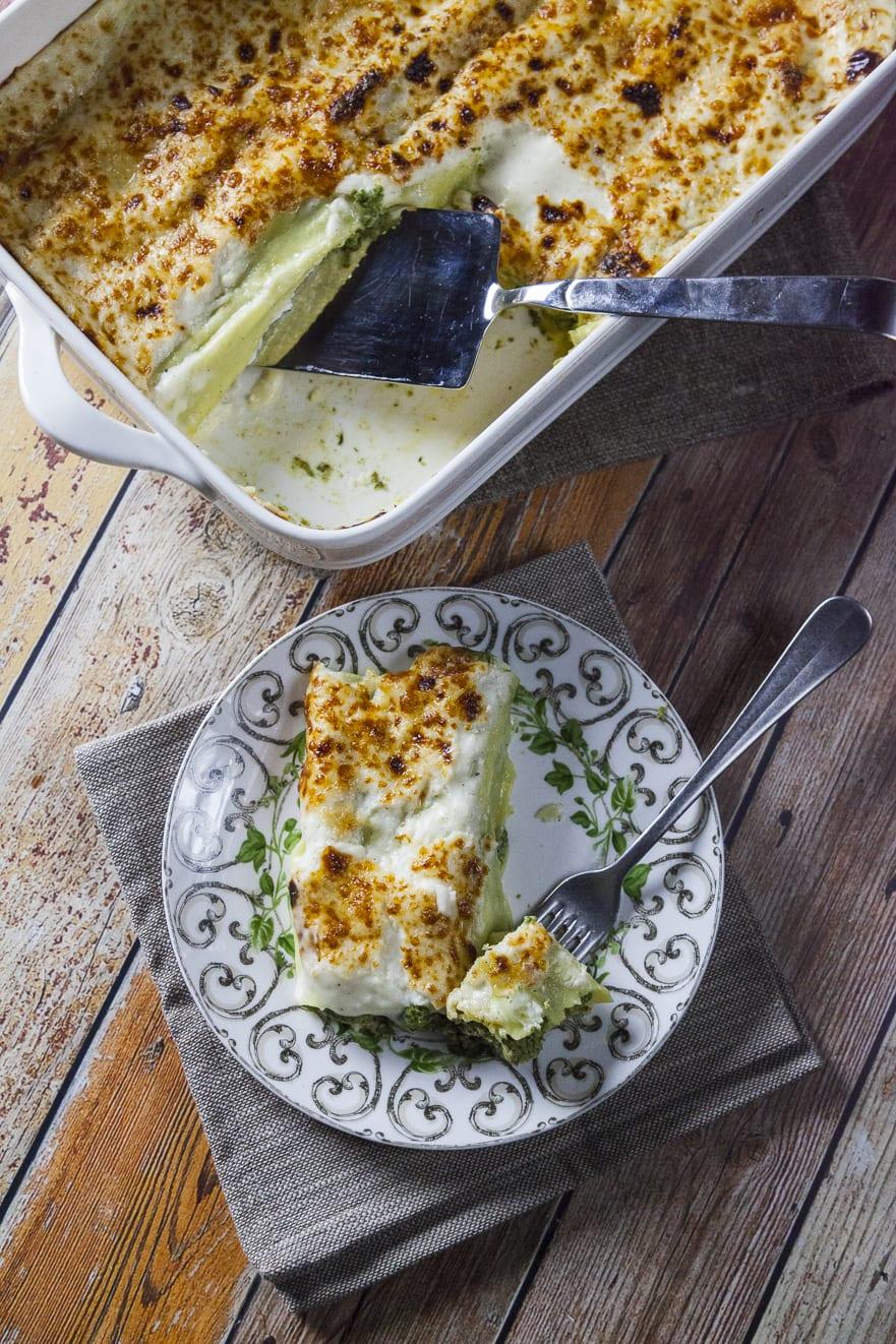Cannelloni ricotta e spinaci in teglia pronti all'assaggio