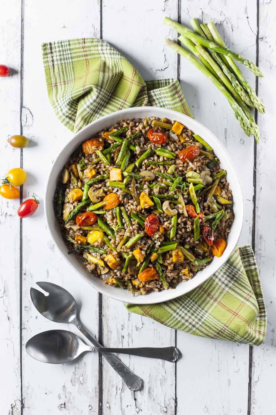 Insalata di farro con verdure arrosto