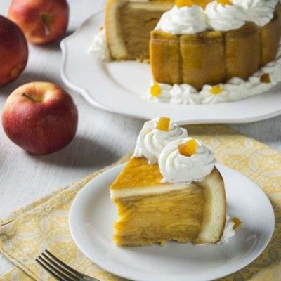 Charlotte senza glutine alle mele pronta all'assaggio