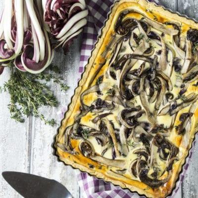 Crostata salata con radicchio e robiola