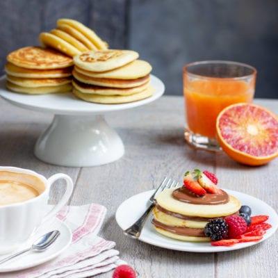 Pancakes con Nutella e frutti di bosco