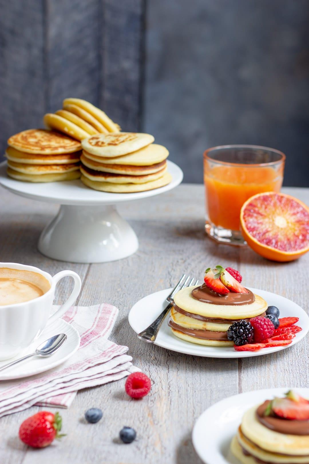 Pancakes alla Nutella e frutti di bosco
