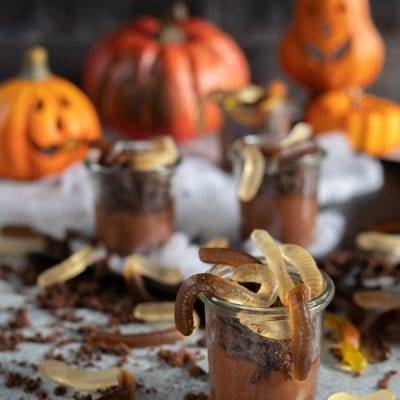 Lombrichi di Halloween nel vasetto