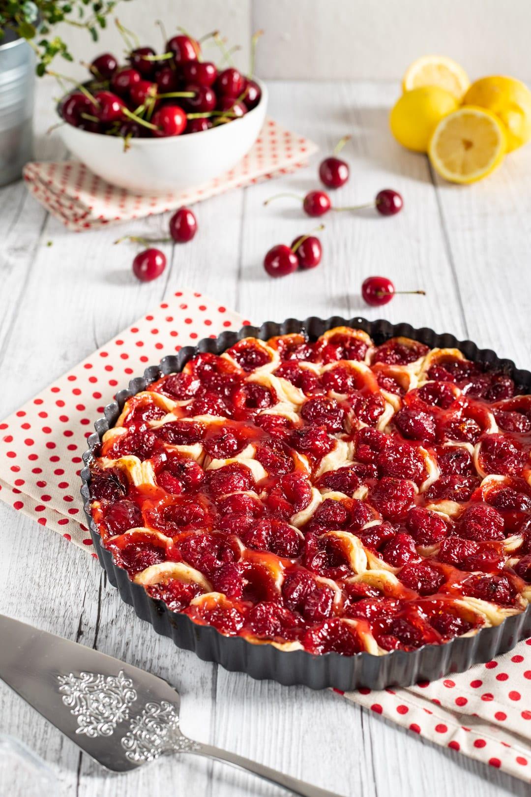 Pie di ciliegie pronta da gustare