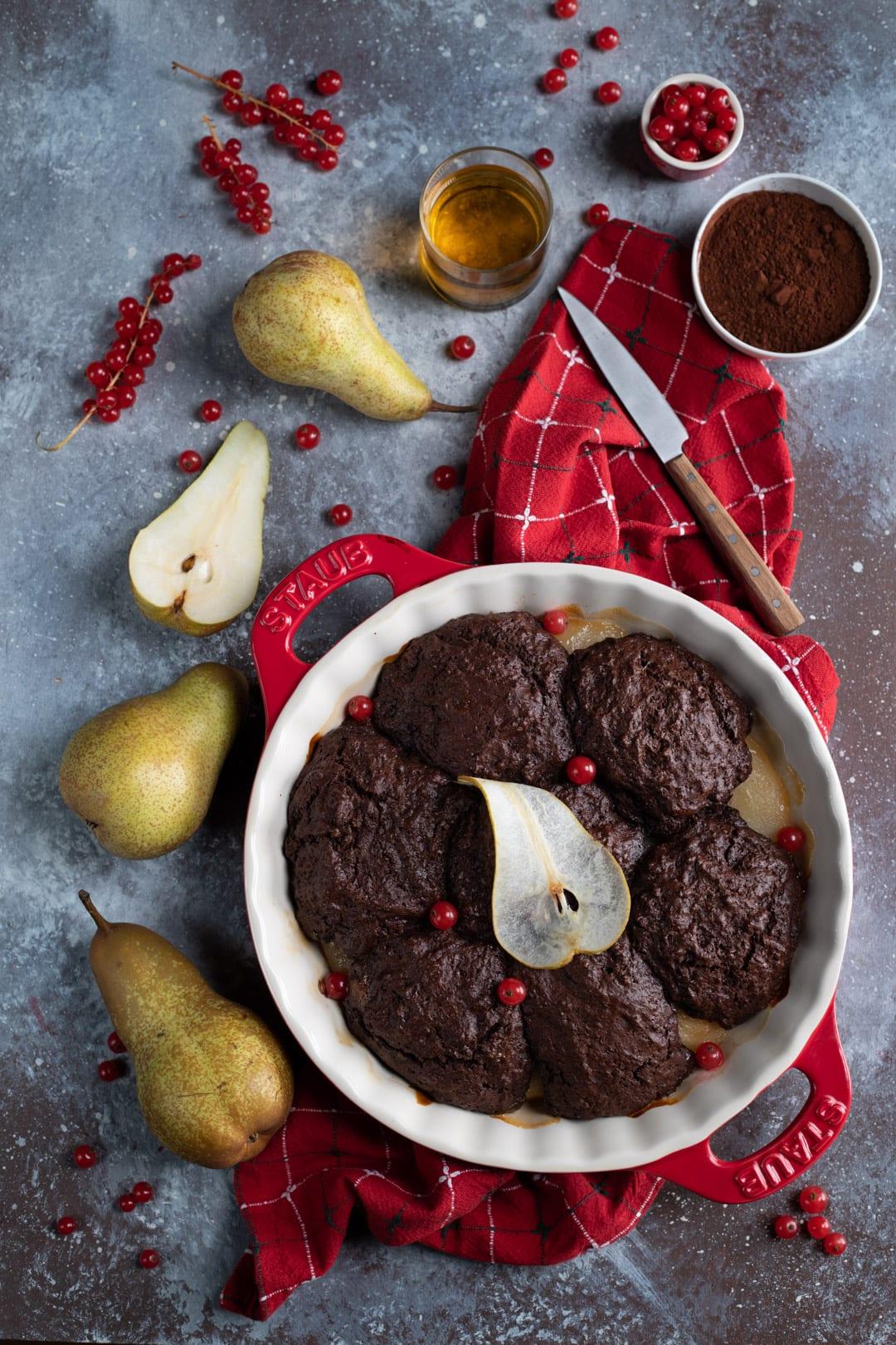 Cobbler cioccolato e pere al passito