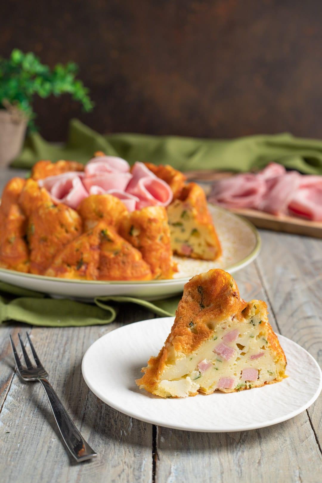 Ciambella salata con prosciutto cotto e zucchine