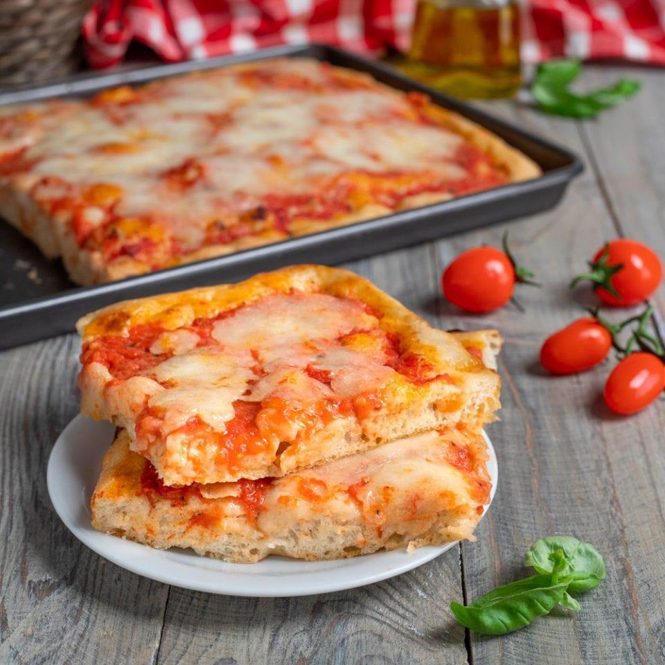 Ricetta X Una Buona Pizza.Pizza In Teglia Veloce Soffice E Gustosa