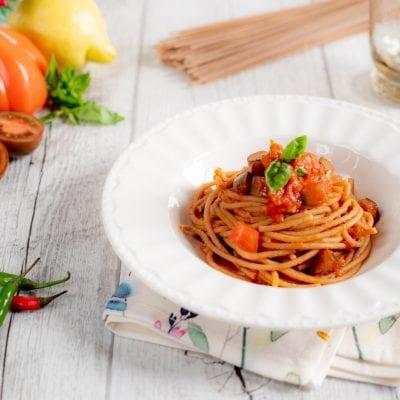 Spaghetti integrali ai 3 pomodori