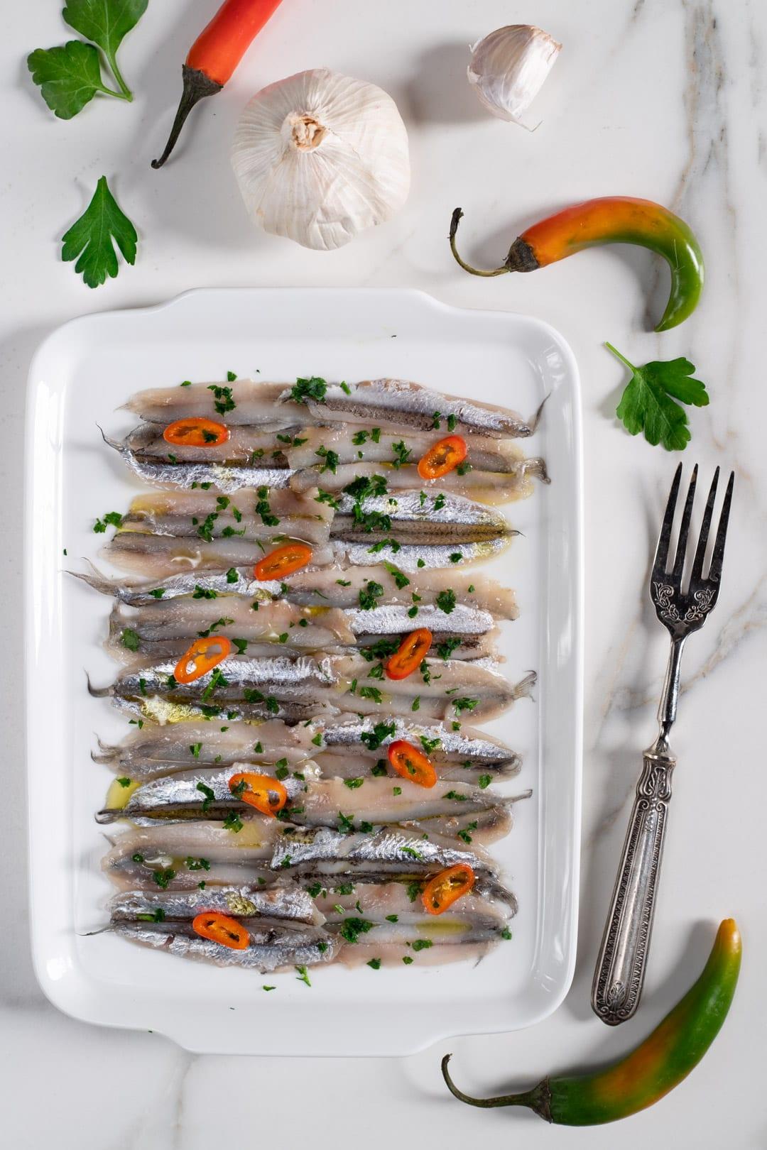 Alici marinate, antipasto di mare saporito e veloce