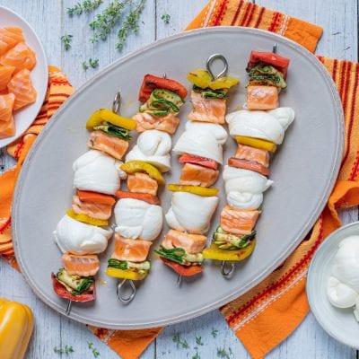 Spiedini con nodini salmone e verdure
