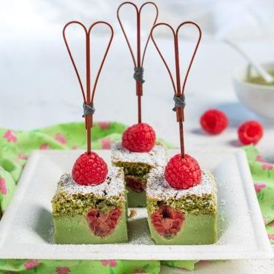 Torta magica con tè Matcha