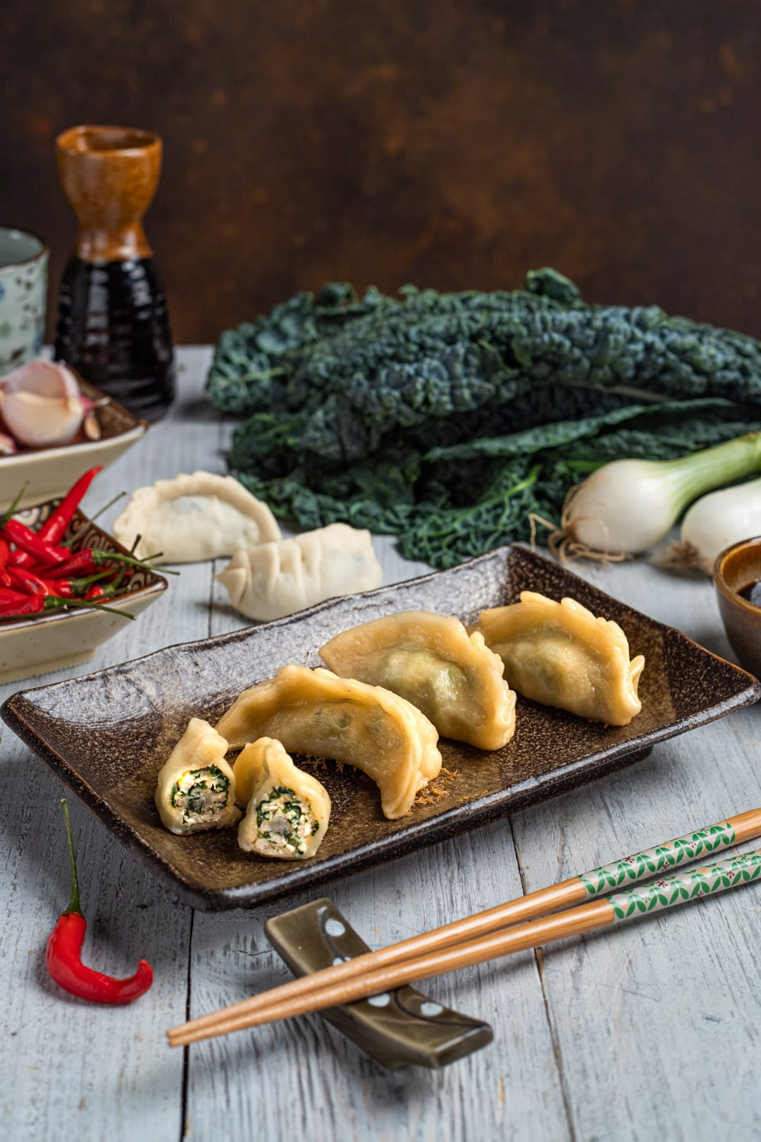 Gyoza di pollo, ravioli cinesi pronti all'assaggio