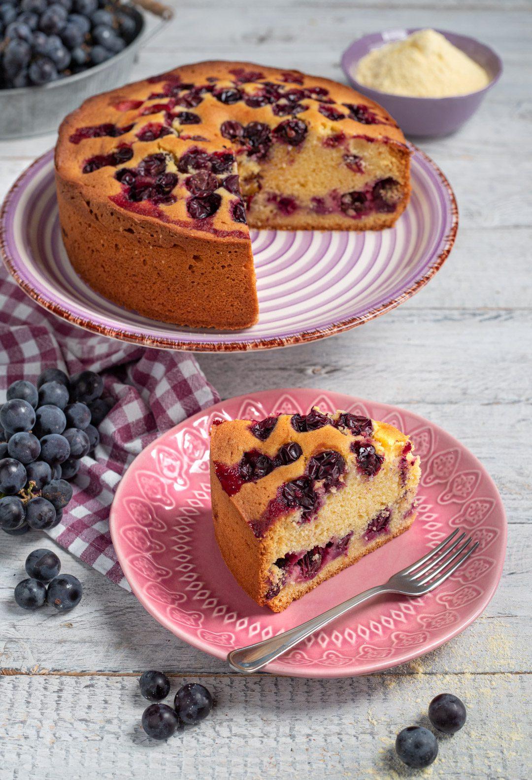 Torta Bertolina fetta tagliata e pronta da gustare