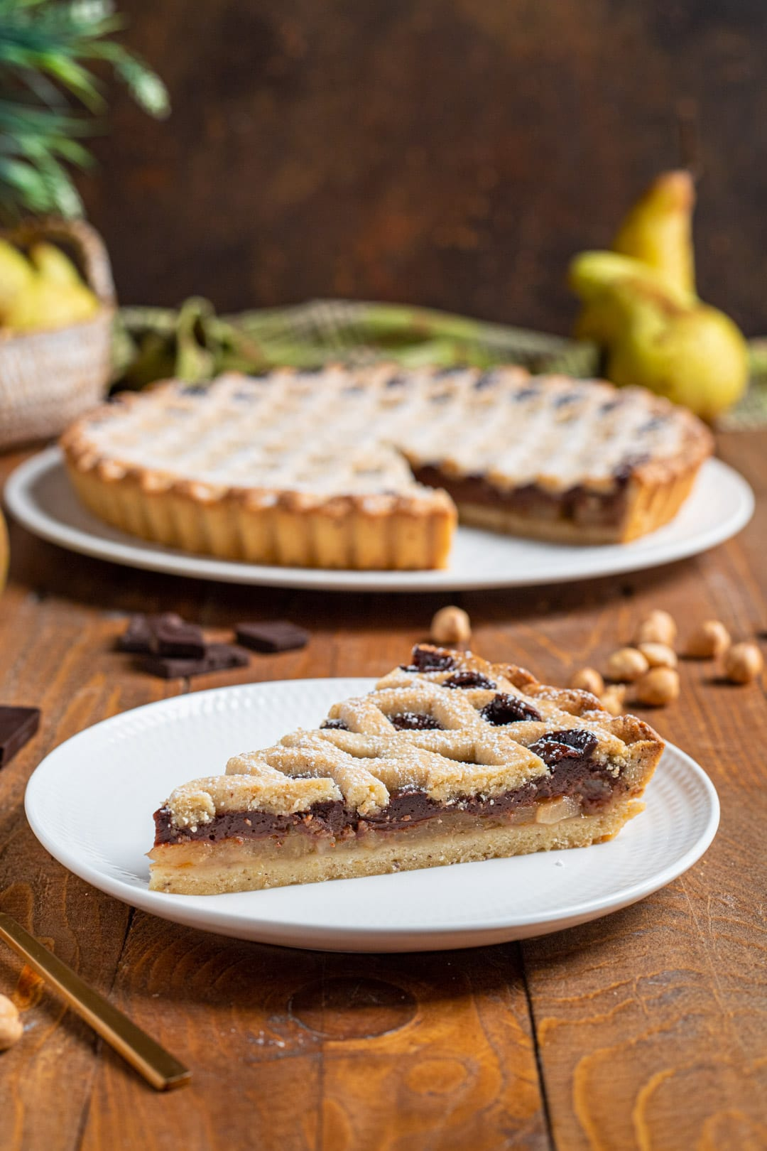 Crostata cioccolato e pere fetta tagliata e pronta da gustare