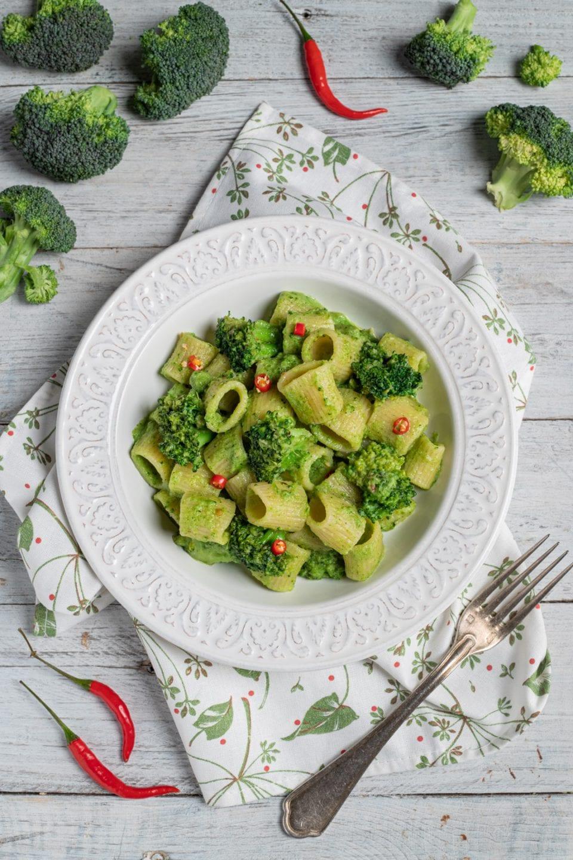 Piatto con pasta ai broccoli