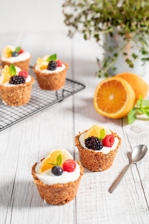 cestini con frutta e yogurt