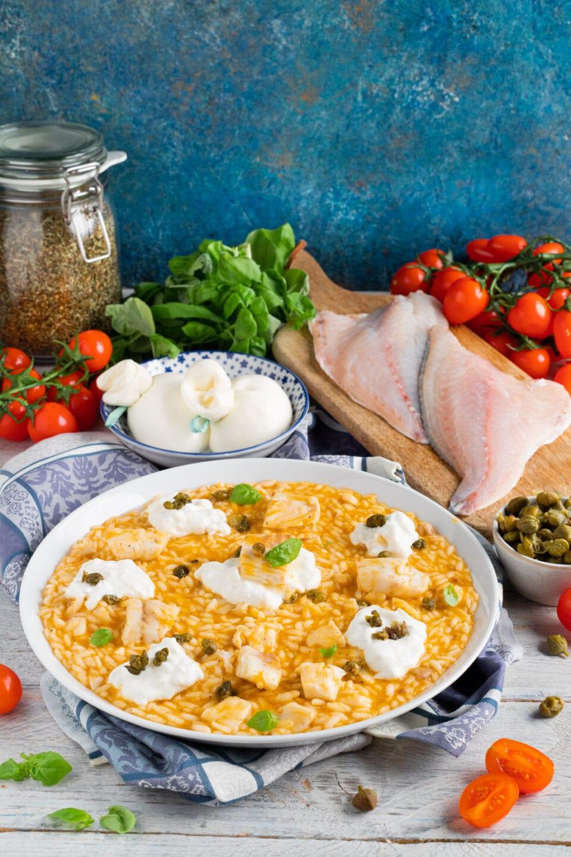 Piatto con risotto al pomodoro