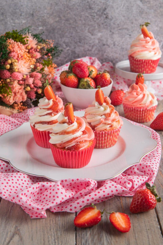 Cupcake con frosting alla vaniglia