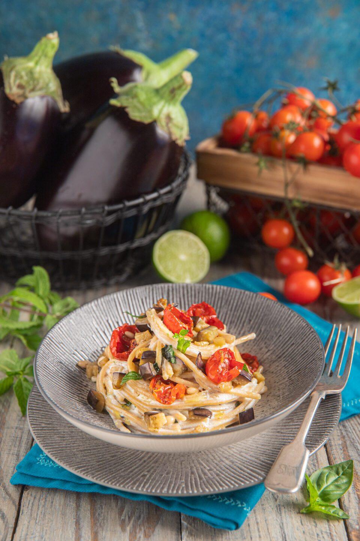 Spaghettoni quadrati integrali pomodorini e ricotta